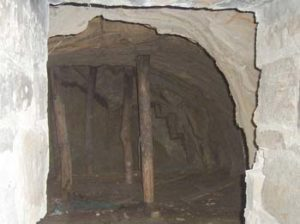 0023-cooler-05-cave-inside-2